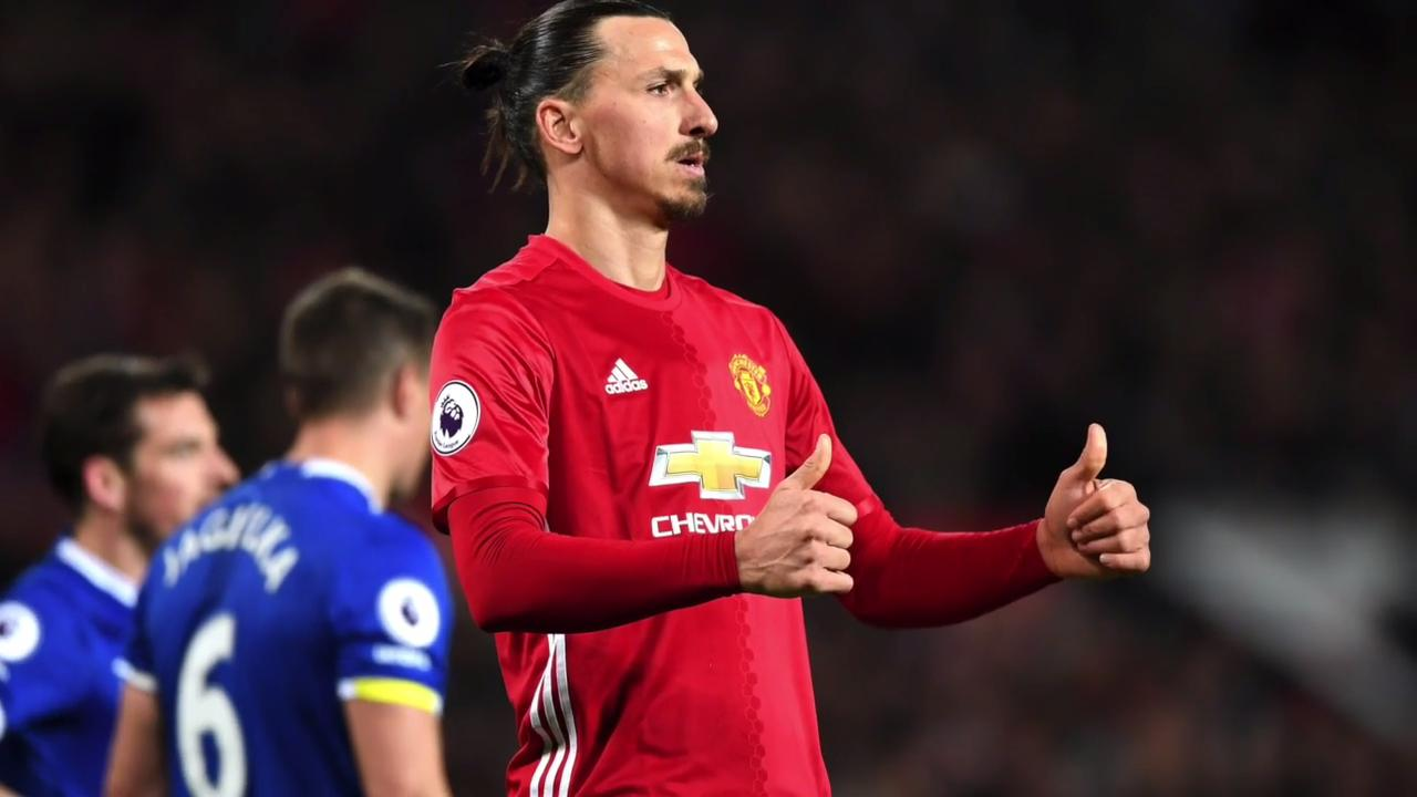 United leave it late to secure a draw with Everton, Leicester win sixth straight game