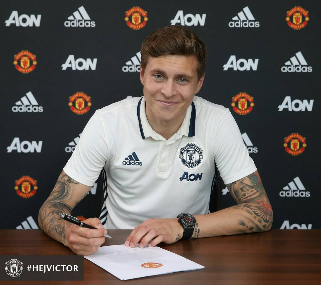 Manchester United Complete Signing Of Lindelof