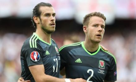 Chris Gunter beats Gareth Bale for Welsh footballer of the year award