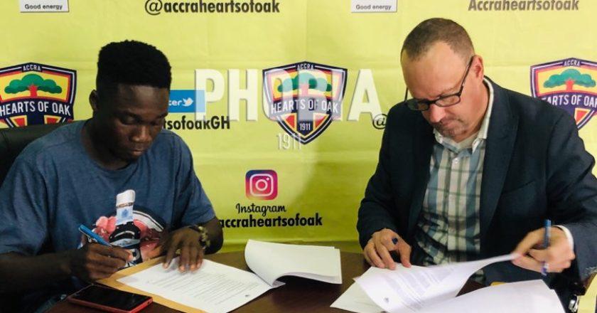 Hearts of Oak sign winger Dominic Eshun