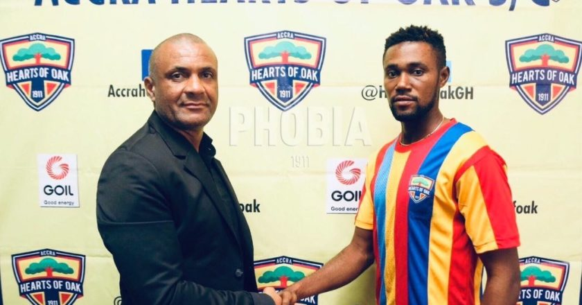 Enock Addo signs professional contract with Hearts of Oak