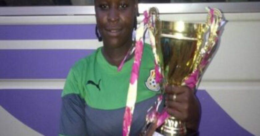 Tamale Super Ladies goalkeeper Mutaka Kailatu passes