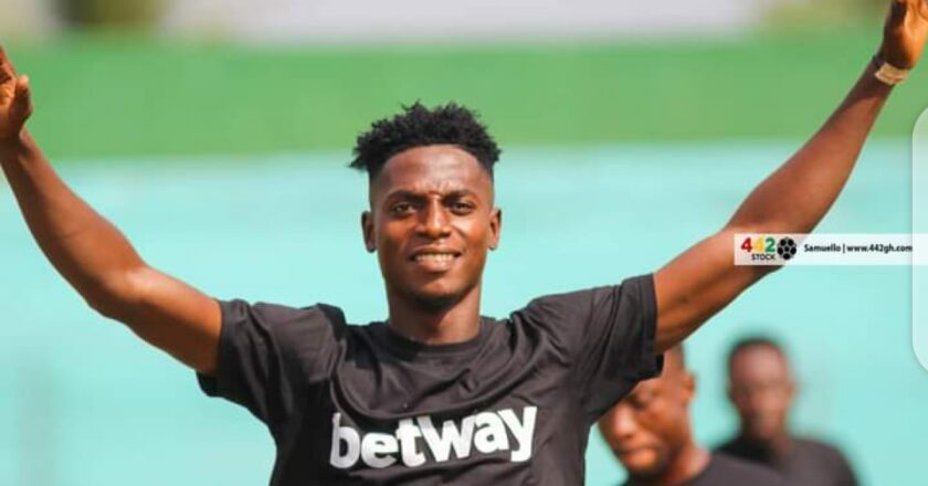 OFFICIAL: Hearts of Oak complete signing of Caleb Amankwah
